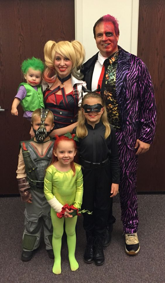 Wonderful Halloween family costumes with different charaters.