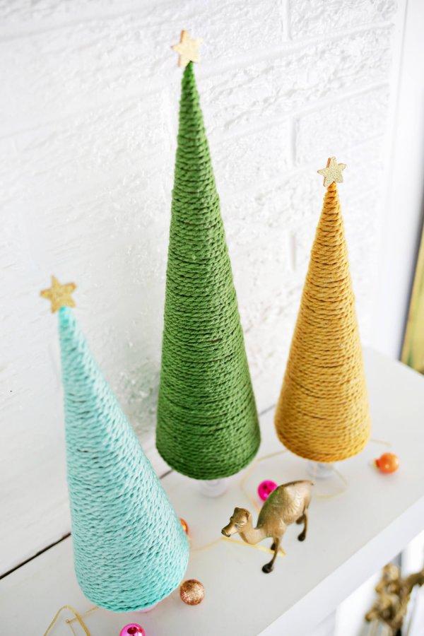Amazing yarn wrapped Christmas tree