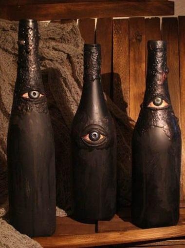 Astonishing wine bottle craft decor idea.