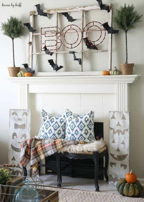 Awesome boo sign halloween mantel decor.