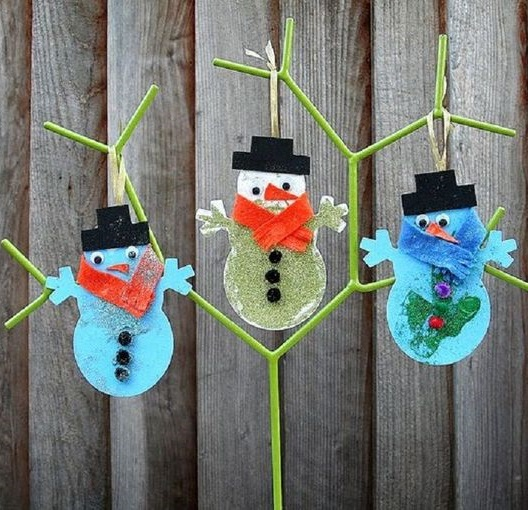 Awesome hanging snowman ornaments.