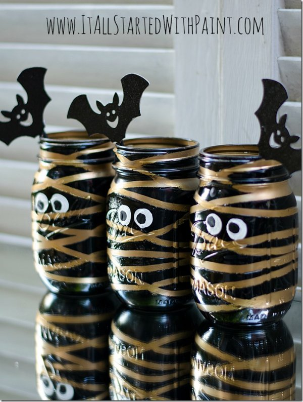 Awesome mummy mason jars.