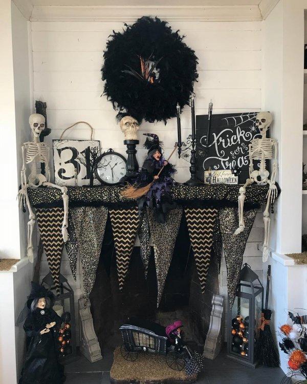 Beautiful Hocus Pocus Halloween Decoration.
