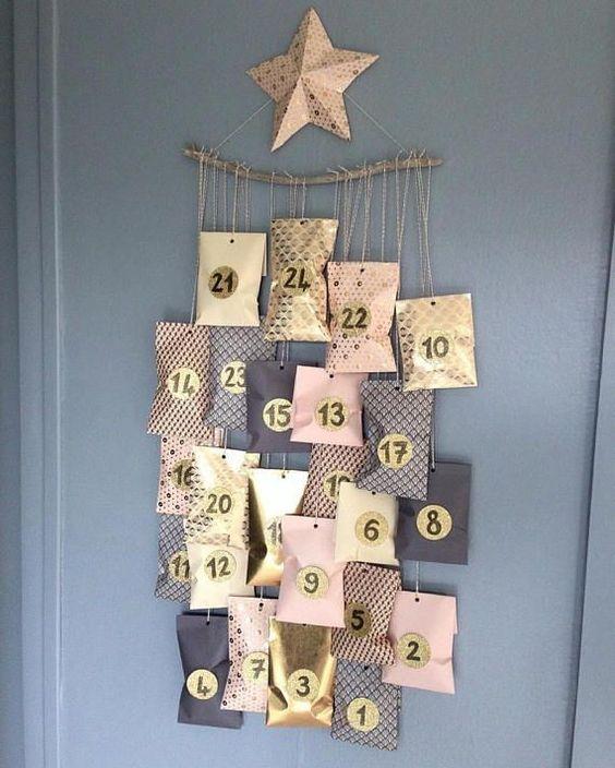 Beautiful pouch advent calendar garland.