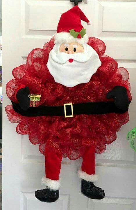Charming Santa wreath for this Christmas.