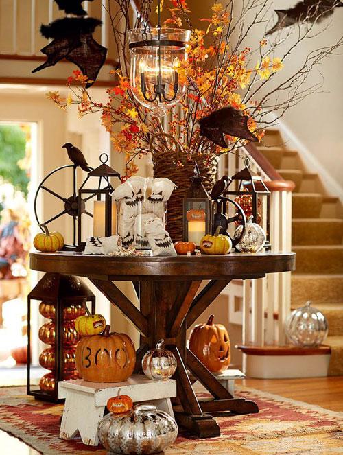 Chic Halloween party decoration idea.
