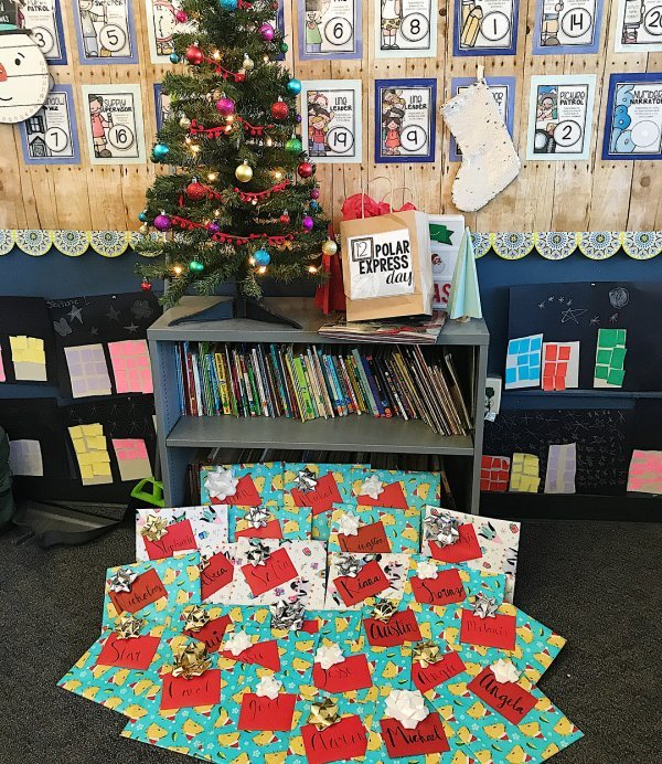 cool way to decorate the classroom at christmas - Christmas Classroom Decorations