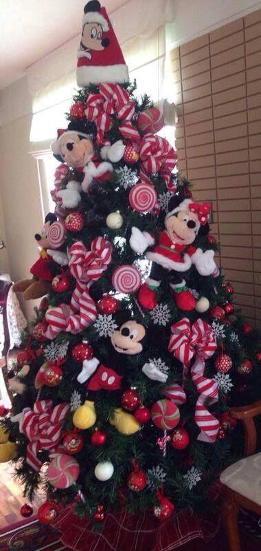 Fantastic disney theme Christmas tree decoration idea.