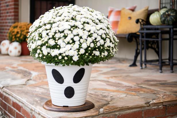 Ghost flower pot for home decor.
