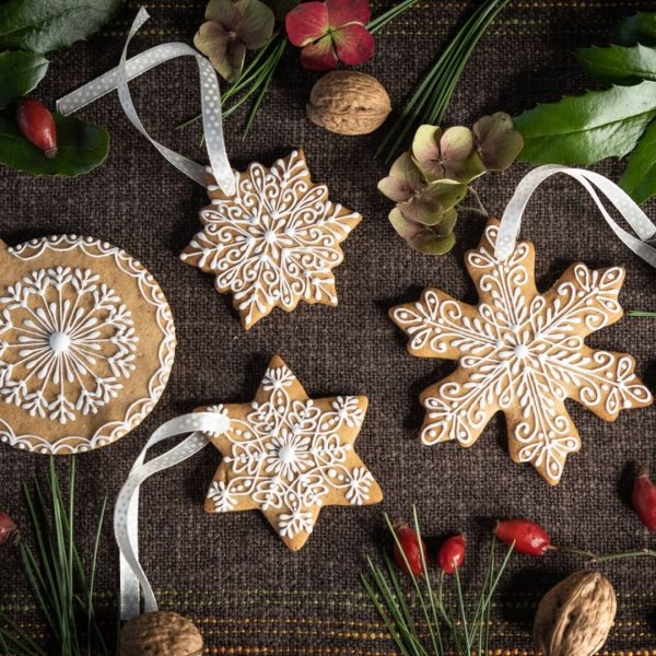 Gingerbread different star shape ornaments for Christmas tree.