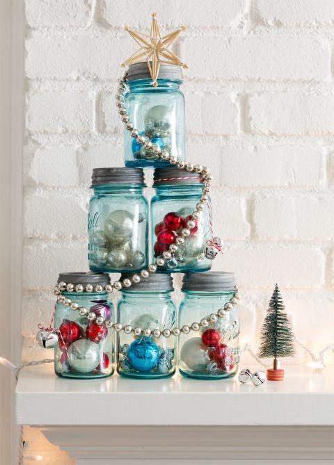 Gorgeous mason jar Christmas tree.