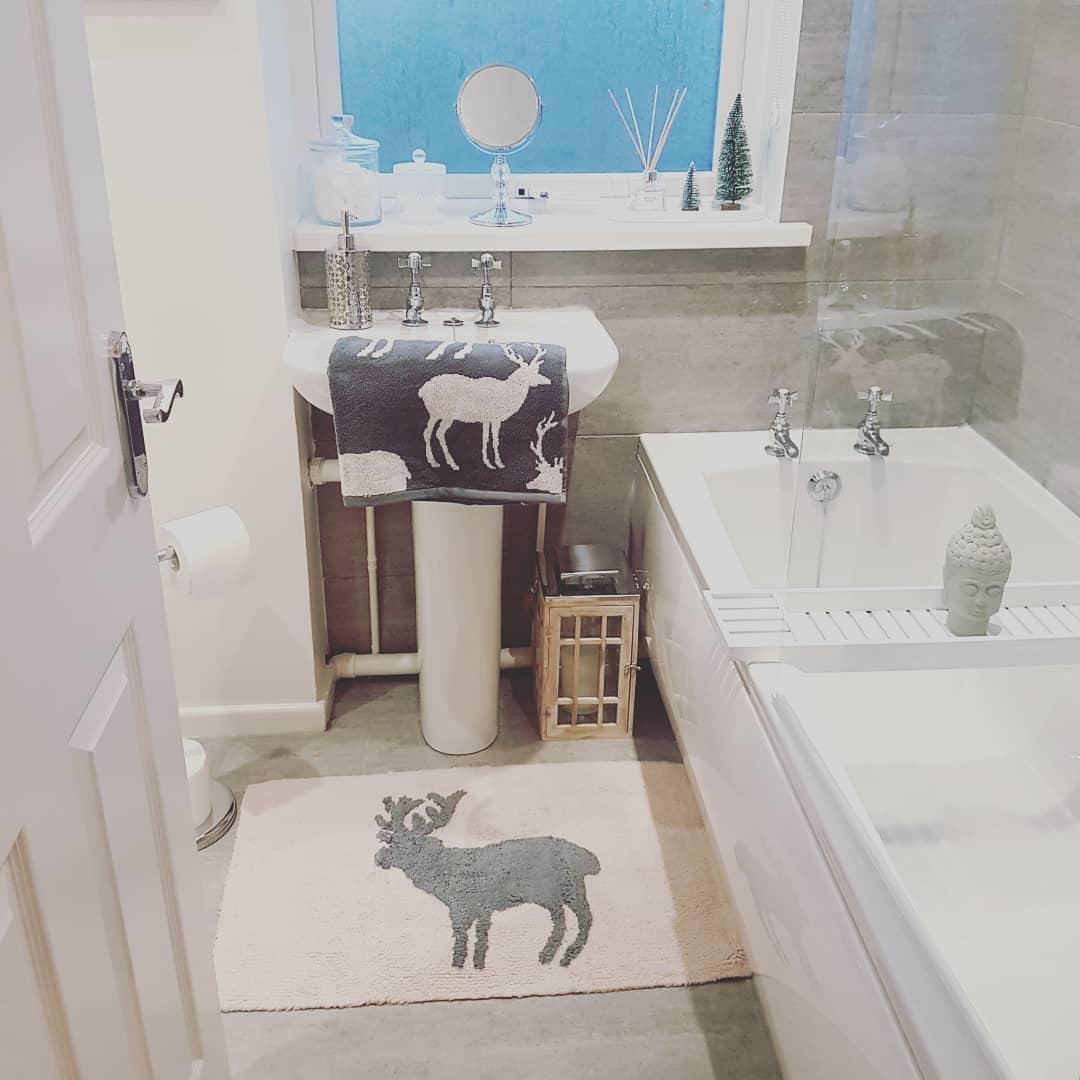 Grey christmas theme bathroom decoration idea