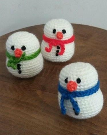 Little knit snowmen ornaments for Christmas.