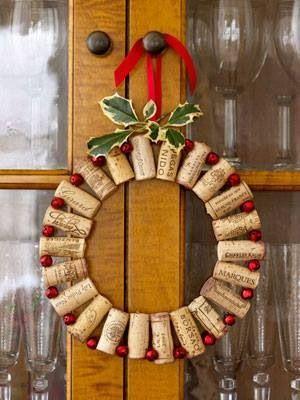Lovely wine cork wreath for Christmas.