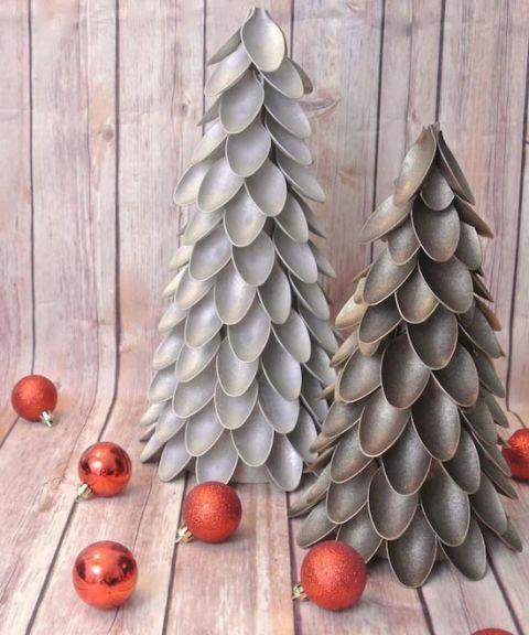 Modish plastic spoon Christmas tree.
