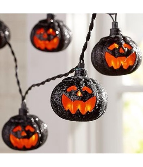 Pumpkin shape lights to decorate for Halloween party.