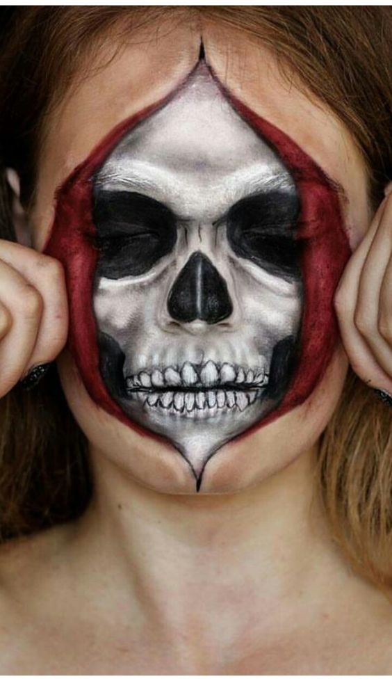 Scary skeleton, is a great creepy Halloween makeup idea.