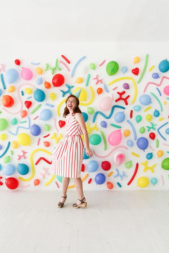This is an amazing wall for photo booth made simply with colorful balloons.