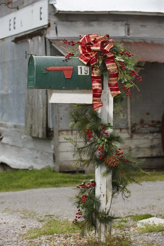 traditional christmas decoration for your mailbox
