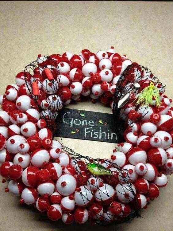 Ultimate fishing boober wreath idea.