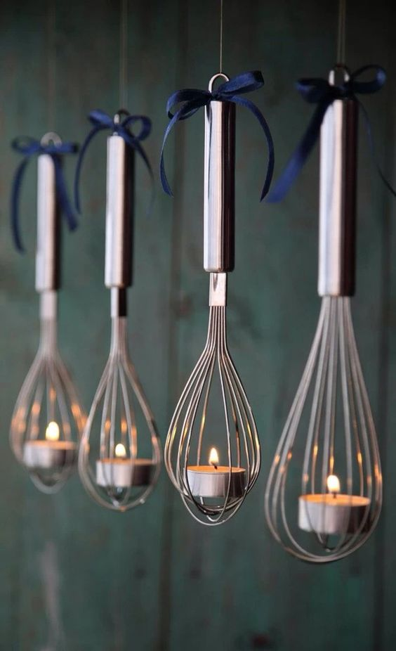 Unique idea to hang candles for Christmas decoration.