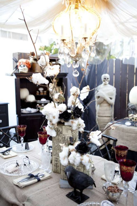 Vintage halloween party ideas.