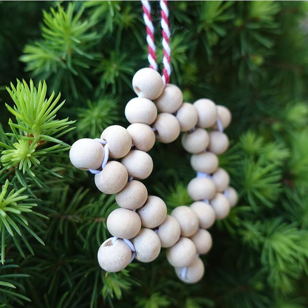 Wooden beads Christmas star ornaments.