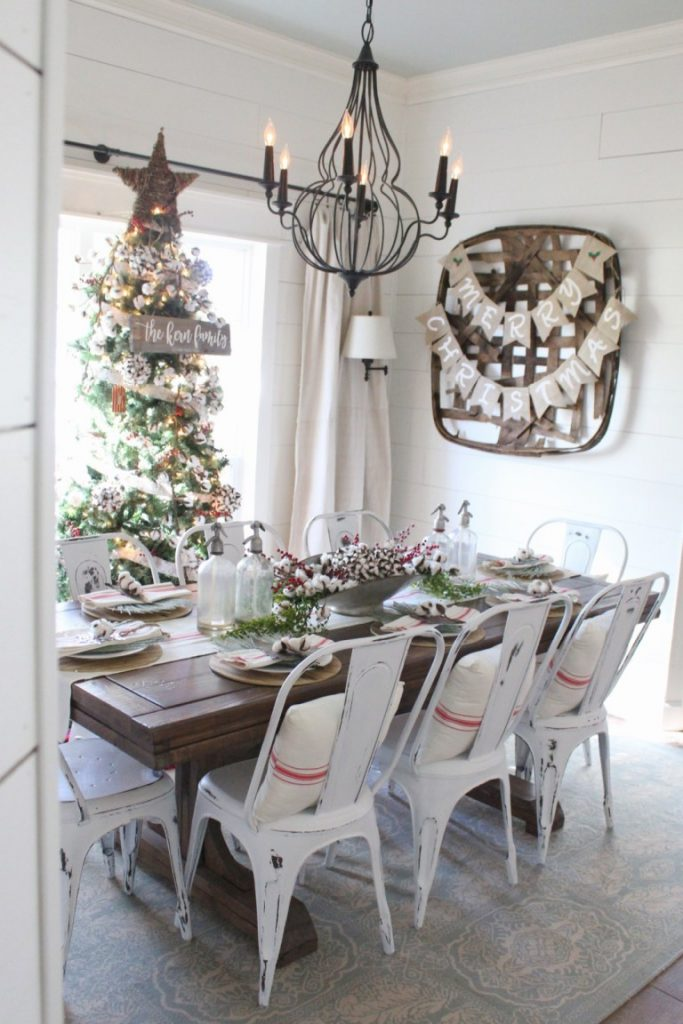Adorable dinning room decoration.
