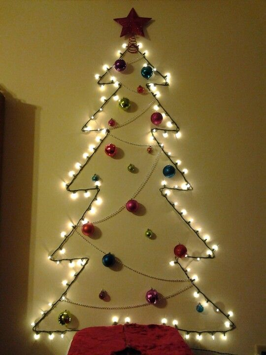 25 Classic Christmas Wall Trees To Copy Right Now | CollageCab