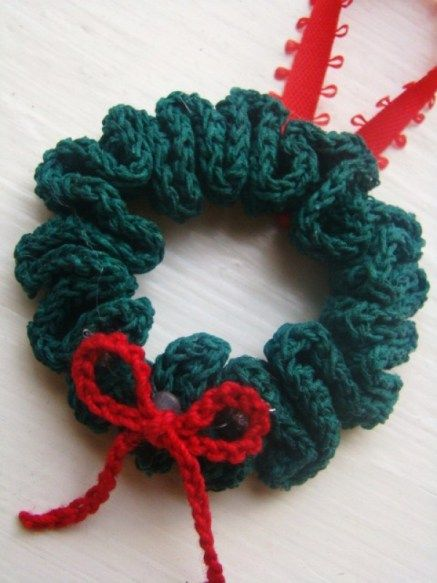 Best crochet wreath ornament for Christmas tree.