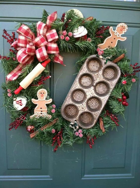 Charming gingerbread wreath for Christmas decor.