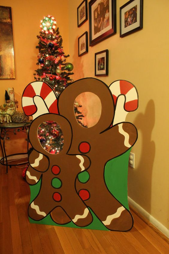 Chic gingerbread wooden photo booth for indoor or outdoor Christmas decorations.