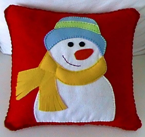 Chic snowman pillow cover for Christmas.