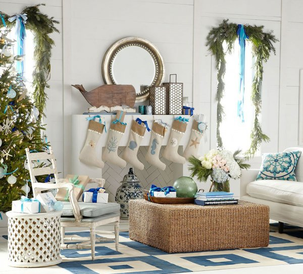 Coastal theme modern Christmas home decor idea.