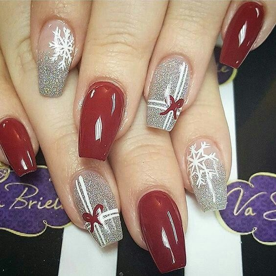 Dazzling Christmas party nails.