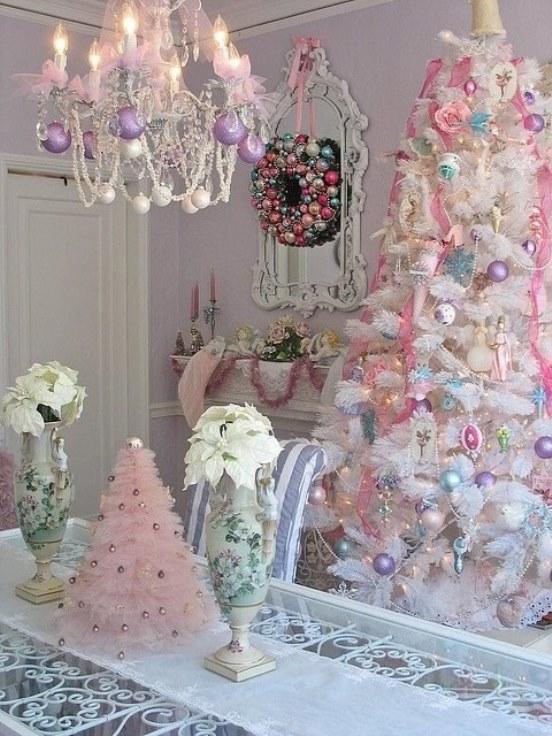 Exclusive shabby chic Christmas home decor idea.