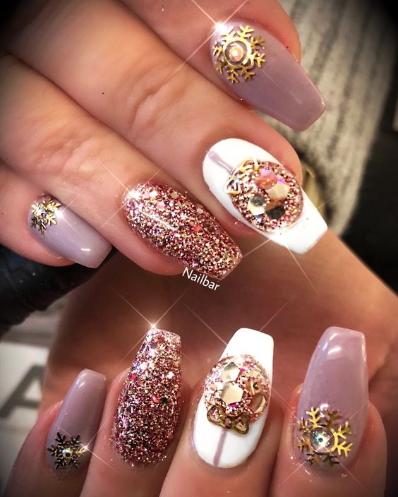 Fabulous Christmas party nails.