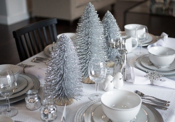 20 Silver And White Christmas Decor Ideas You Must Add In
