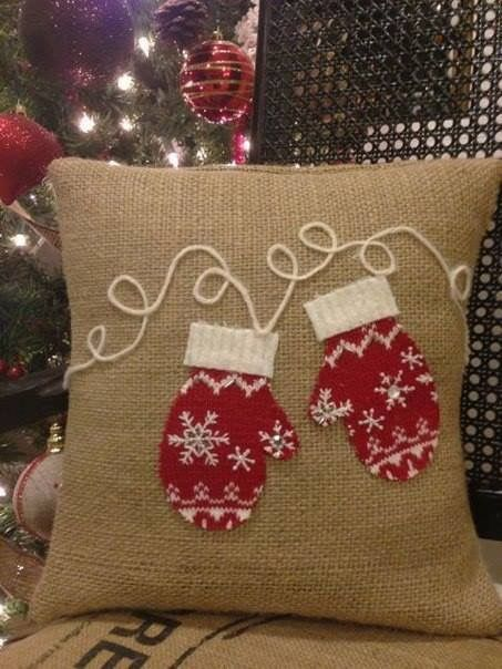 Handmade Christmas pillow cover of burlap.