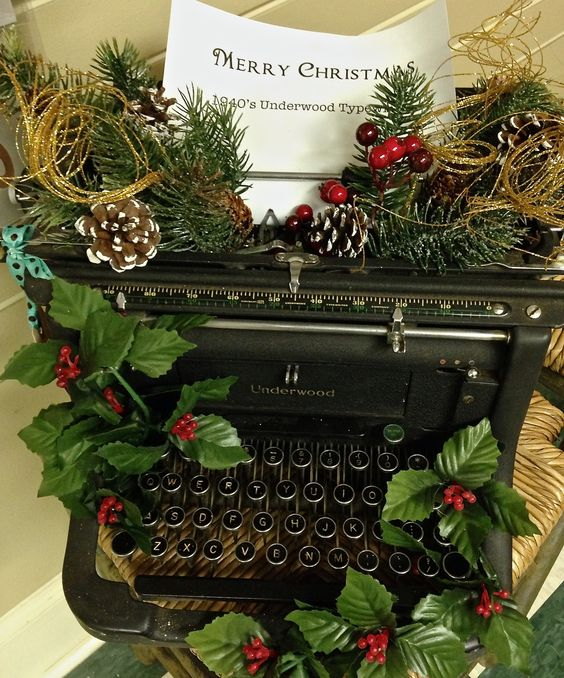 Nice way to decorate for Christmas with an old vintage typewriter.
