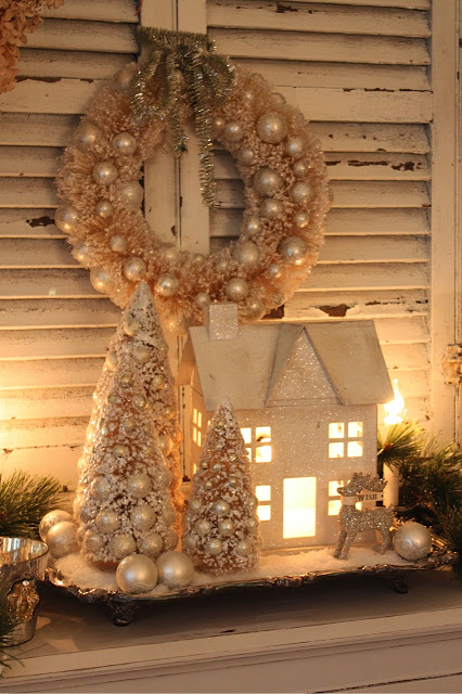 Reclaimed Christmas home decor idea.