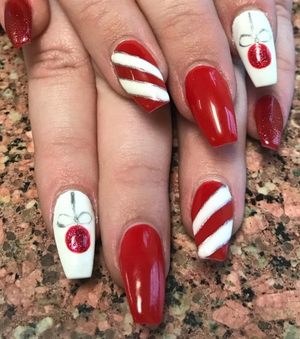 Red and white candy nails.