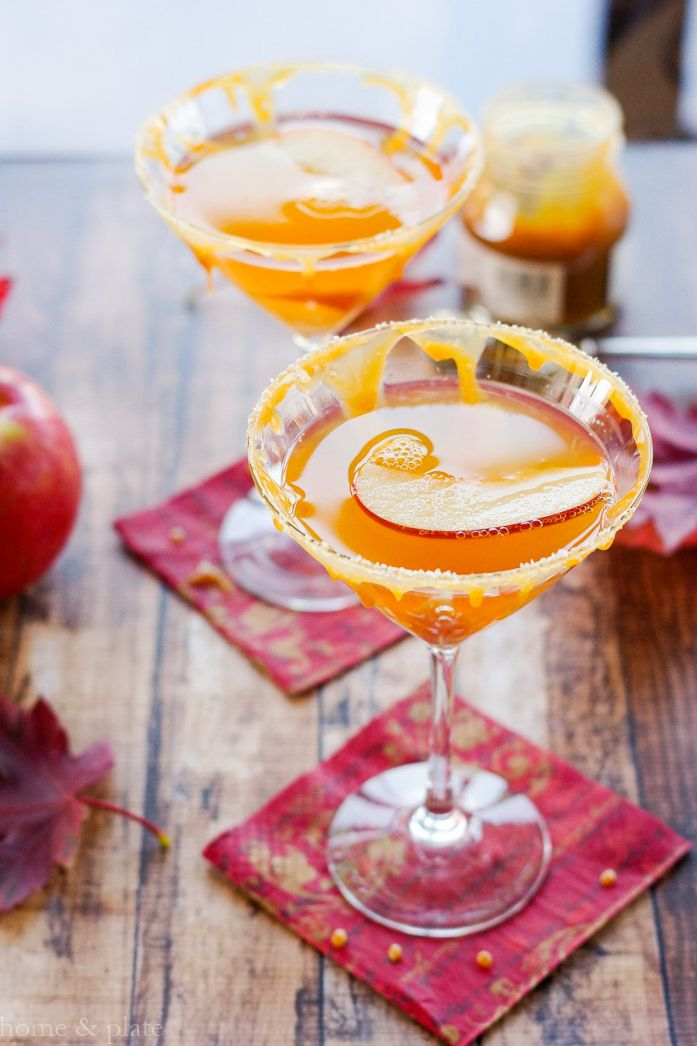 Salted caramel apple martini for party.