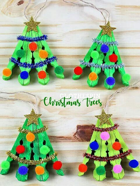 Awesome handmade clothespin Christmas tree.