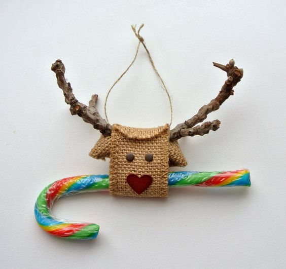 Creative Rudolph ornament.