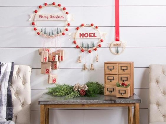 Easy Christmas countdown with little crafts and gifts.
