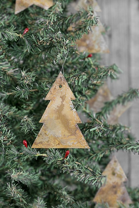 Rusty metal Christmas tree ornament.
