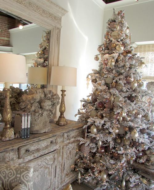 Vintage style Christmas home decor idea.