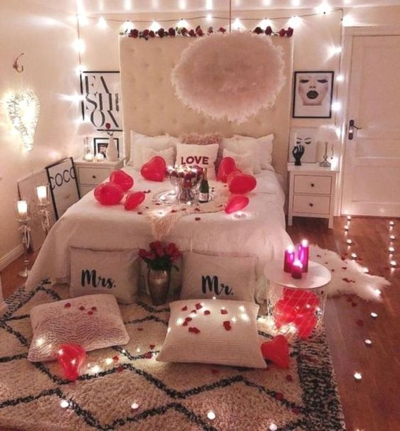 Adorable romantic bedroom decoration.