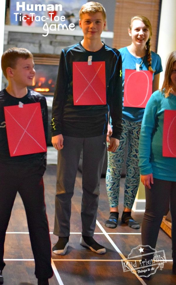 Awesome human tic-tac-toe game for Valentine's day.